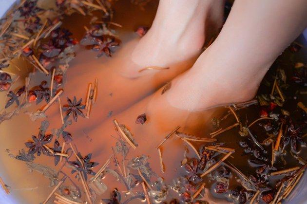 Giải mỏi mệt, stress bằng liệu pháp ngâm chân