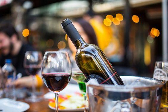 """Thùng rượu gỗ sồi và hành trình trở thành """"bậc thầy rượu vang"""""""