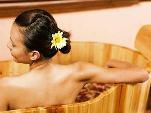 Bồn tắm gỗ - Mang phong vị riêng vào không gian tắm của bạn.