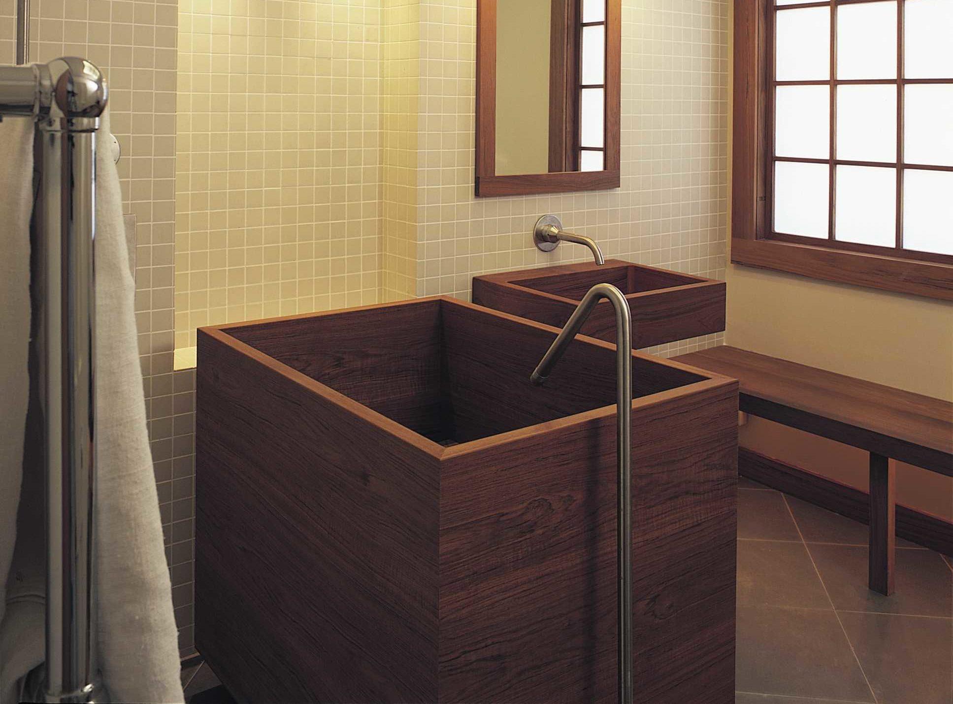 Bồn tắm gỗ đứng kiểu Nhật