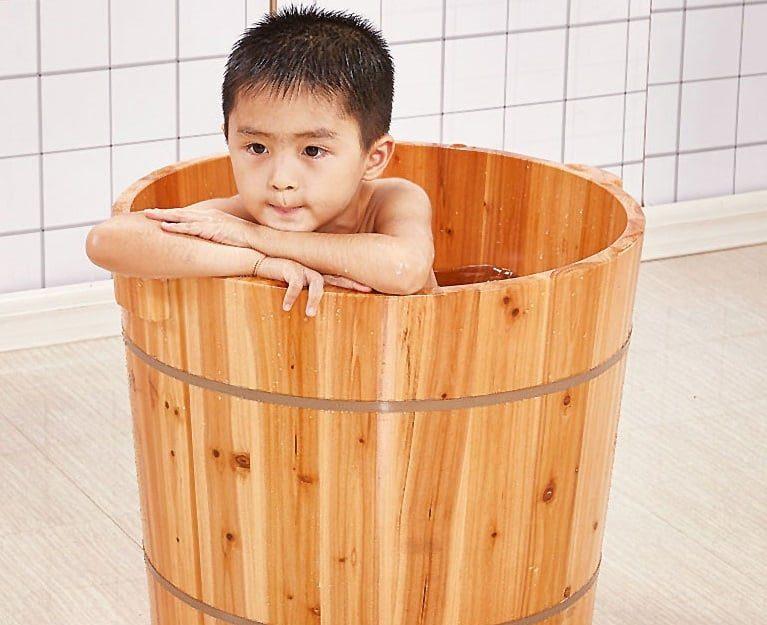 Bồn tắm gỗ tròn cho trẻ em