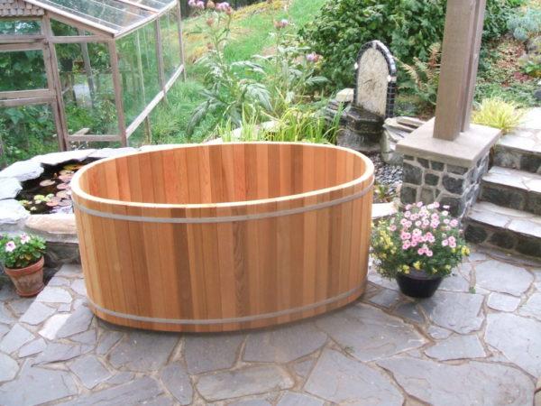 Bồn tắm gỗ hình oval