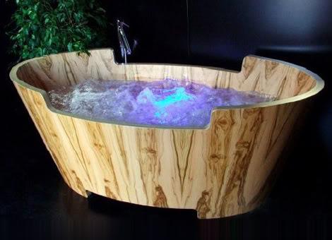 Bồn tắm jacuzzi bằng gỗ
