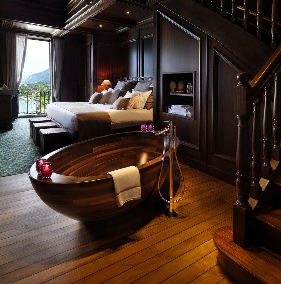 Bồn tắm nằm bằng gỗ dáng oval