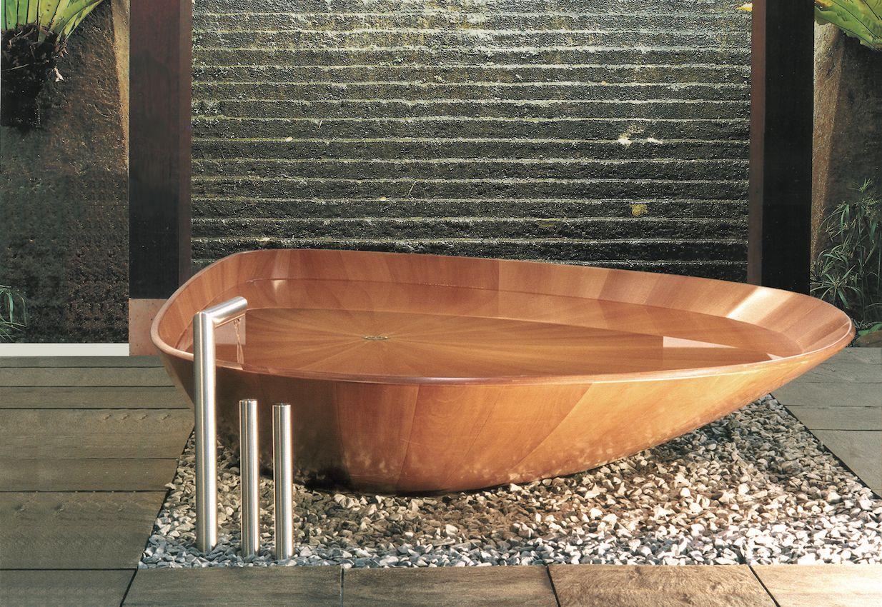 Bồn tắm gỗ hình vỏ sò