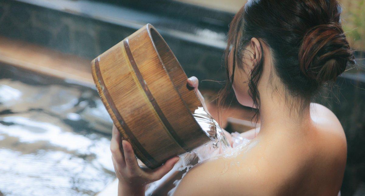 Gáo nước bằng gỗ