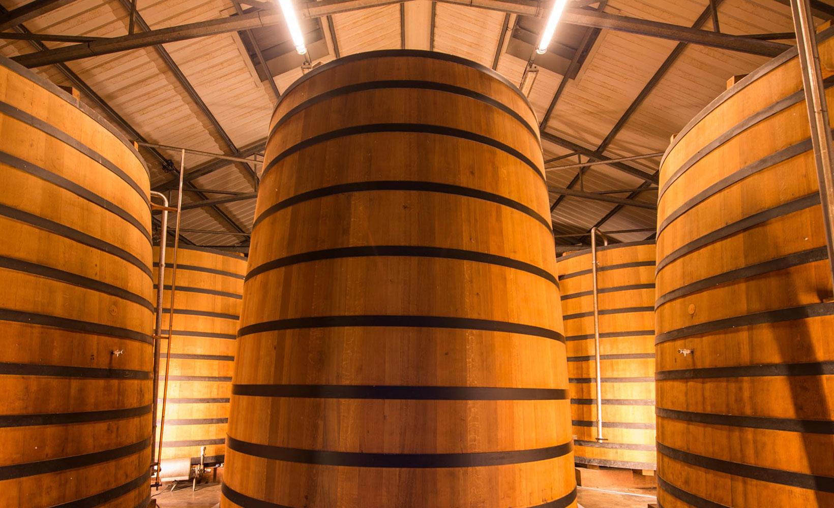 Thùng gỗ sồi lớn ngâm rượu Rhum