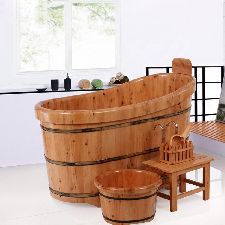 Bồn tắm gỗ ngồi
