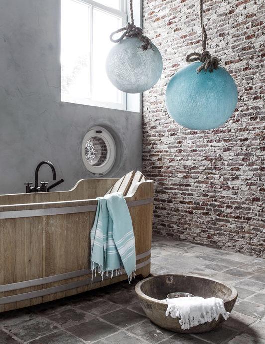 Bồn tắm gỗ oval có ghế tựa