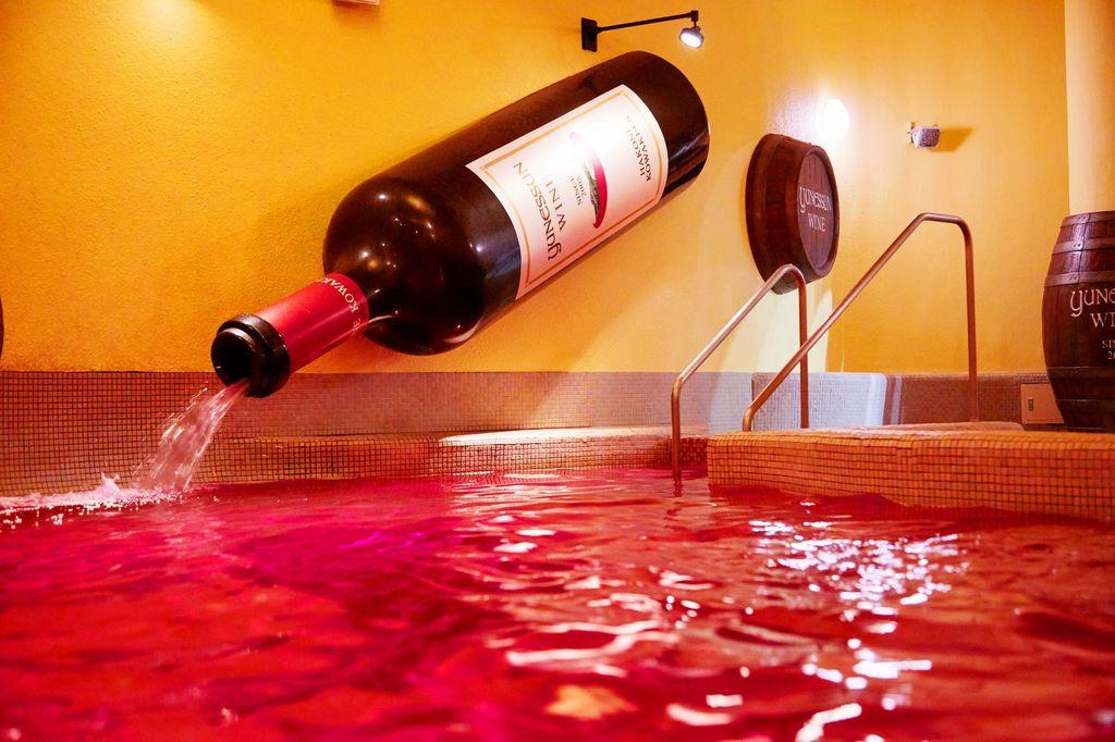 Spa rượu vang đỏ tại Nhật