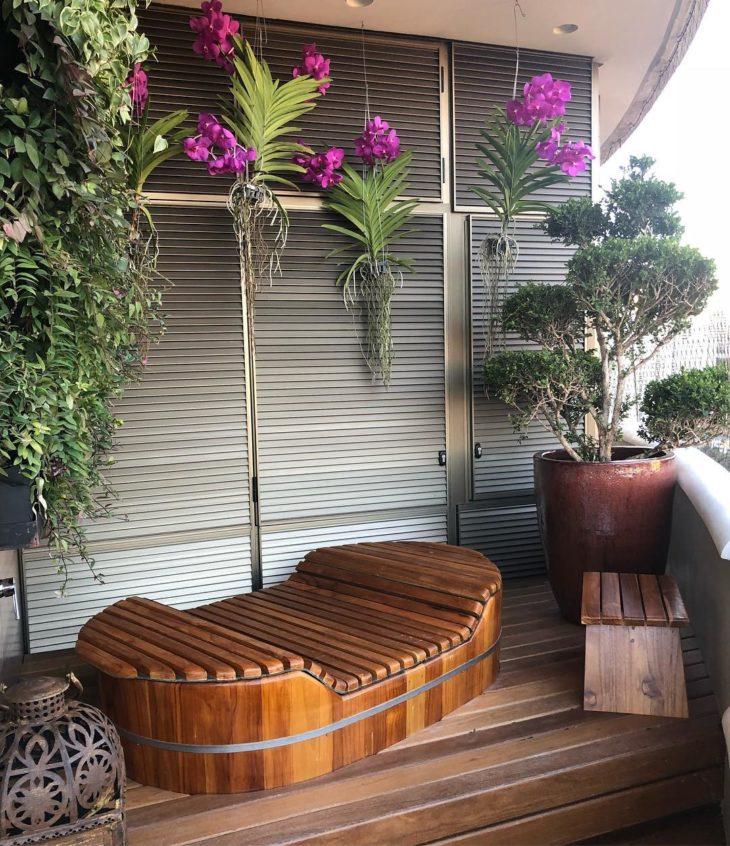 Bồn tắm gỗ kiểu bầu dục