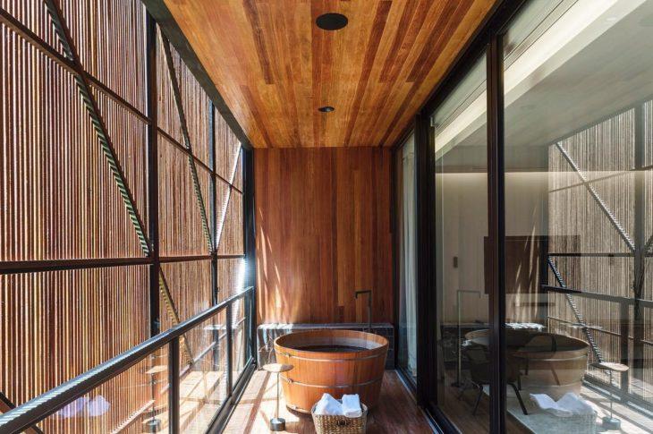 Nội thất bồn tắm gỗ tròn cao cấp