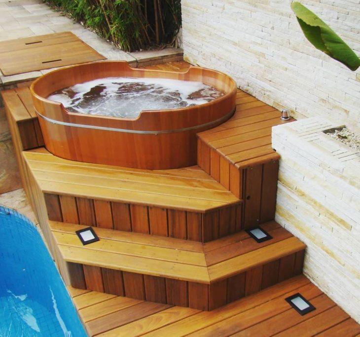 Bồn tắm gỗ oval dáng ngồi