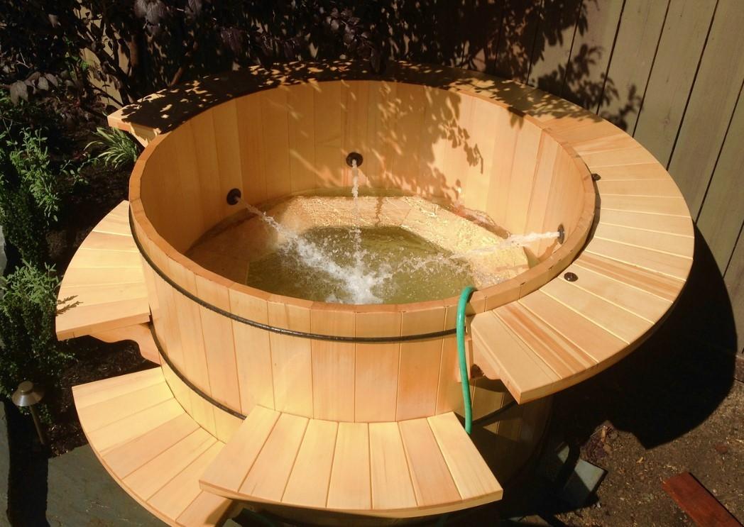 Bồn tắm gỗ massage kiểu Nhật
