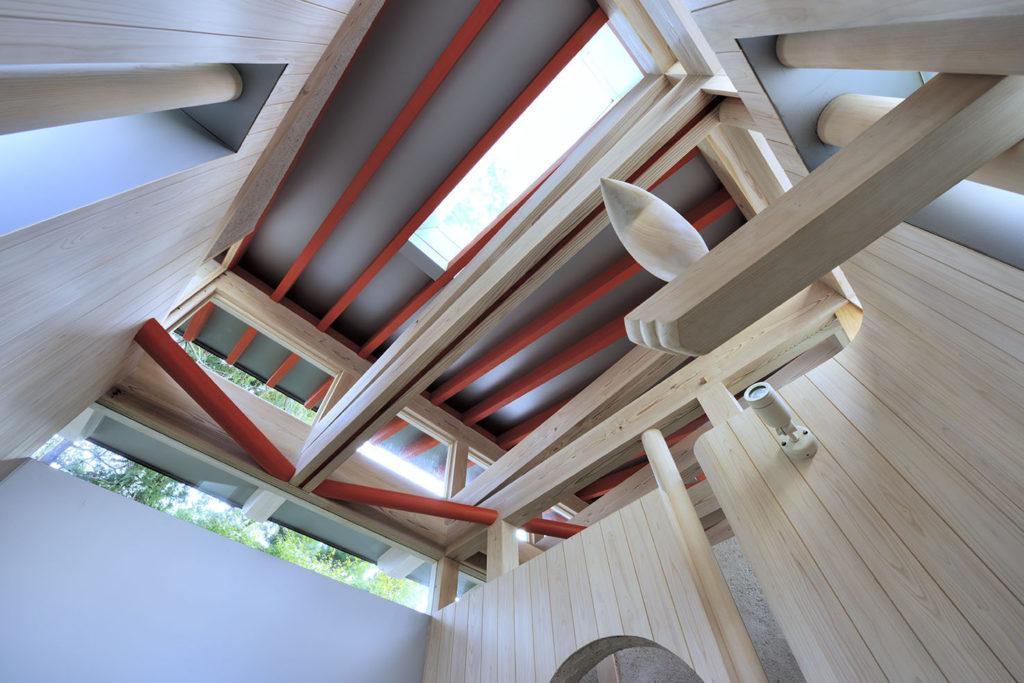 Thiết kế phòng tắm với bồn gỗ tròn kiểu Nhật ấn tượng từng chi tiết
