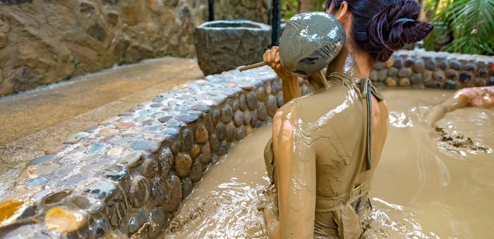 liệu pháp tắm bùn khoáng