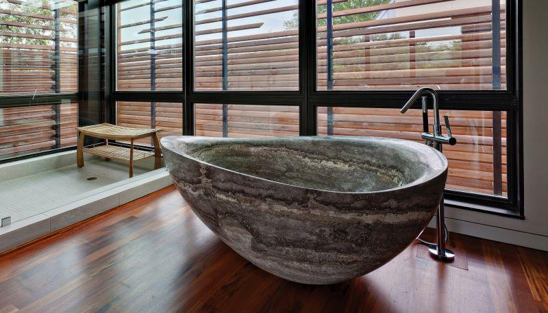 Bồn tắm bằng đá