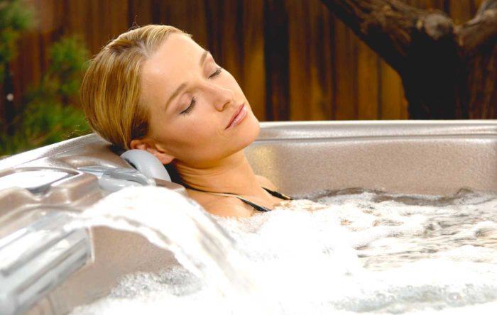liệu pháp ngâm tắm nước nóng