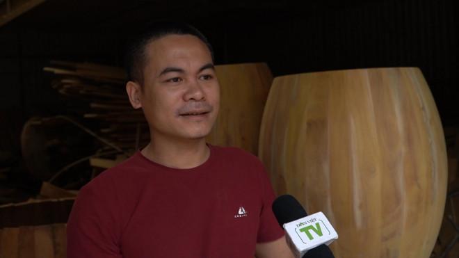 Anh Lê Ngọc Chung - một cao thủ bậc nhất làm nghề trống ở Đọi Tam (xã Đọi Sơn, huyện Duy Tiên, tỉnh Hà Nam)