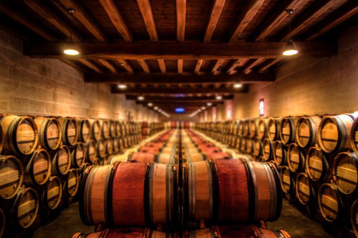 """Bí quyết cho một ly rượu vang hoàn hảo nằm ngay ở """"thùng rượu gỗ sồi"""""""