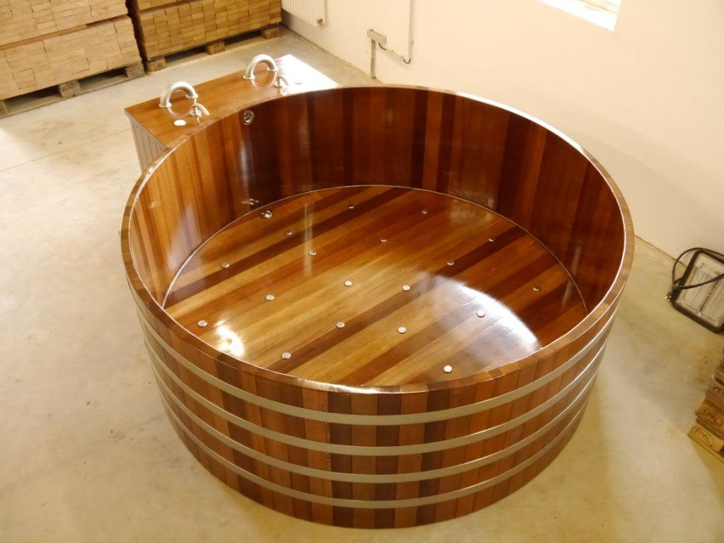 Bồn tắm gỗ tròn kiểu Nhật cho gia đình lấy lại tinh thần, năng lượng mùa dịch