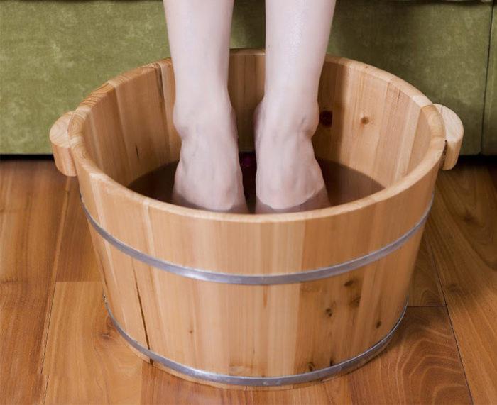 Chậu gỗ ngâm chân giá bao nhiêu? Review tất tần tật chậu ngâm chân gỗ nên mua