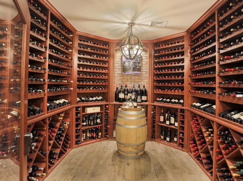 Thiết kế hầm rượu gia đình: Không thể bỏ qua 8 lưu ý này